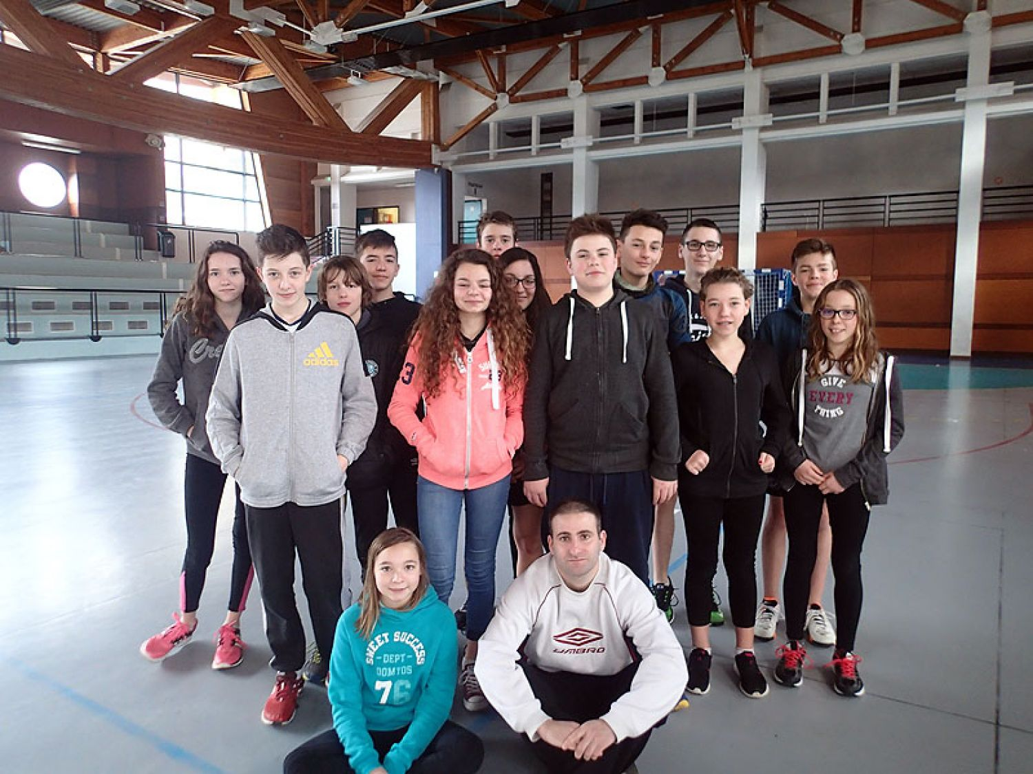 Un stage r ussi dauphins uginois for Piscine ugine